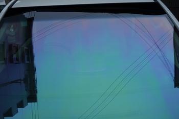 今日はハイエースのボディコートにウインドリペア、モールプロテクションフィルム、サンテクト、ホログラフィックフィルム等です