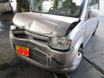 今日はガラスの修理に、自損事故で全損になったのに車両保険に入ってなかった方の話です。