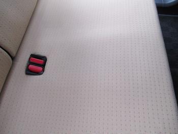 今日はアスファルトピッチに、塗装ミストを散らされたクルマの入庫等の話です。