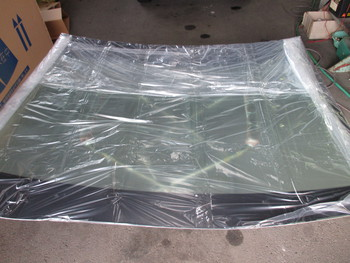 今日はベンツS550クーペの入庫に車両保険でのガラス交換、釣りに使うジャミをひっくり返したクルマの入庫等の話です。