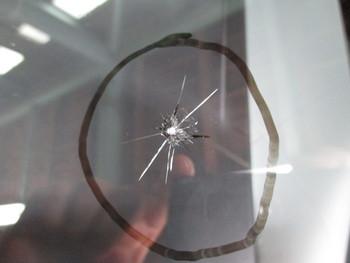 今日はウインドリペアに中古ガラス交換、解除キットを使わないテレビの解除等の話です。