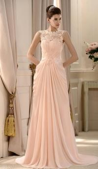 体型からドレスを選び
