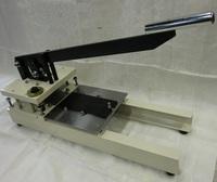 【製品紹介】手動式打抜き装置(標準タイプ)|素材:ゴム、フィルム他