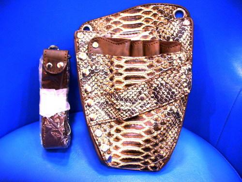 蛇柄シザーケース