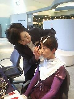 癒しのMIYAO化粧筆でメークアーティストの坂井由美子先生