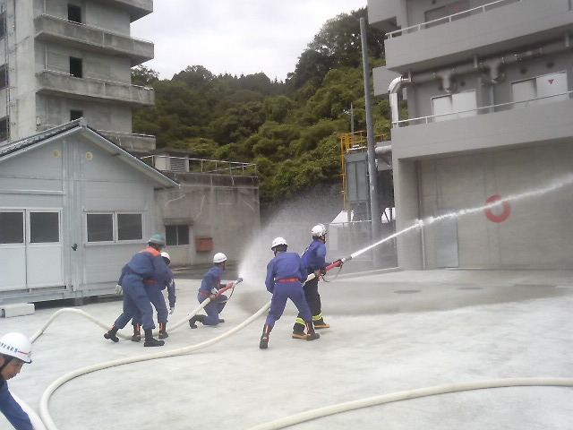 消防団員特別教育「一日入校」訓練 ホース延長 放水訓練(実放水)