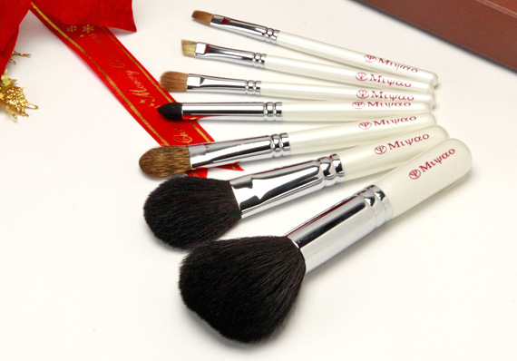 熊野化粧筆 携帯用 7本セット 新色ホワイトパール NO.9<クリスマスプレゼント>