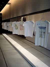 Tシャツアート展の受賞作品を展示してます。