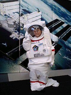 パナソニックセンターでマリオ&宇宙服で記念写真