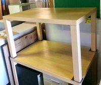 木製テーブルが入荷いたしました