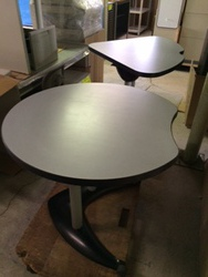 小さめの天折りテーブルが入荷しました
