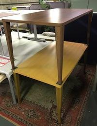 木製テーブルが入荷しました