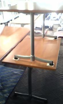 木製会議テーブルが入荷しました