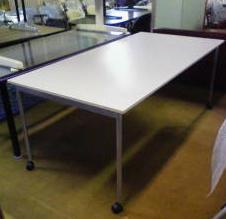 会議テーブルが入荷しました!