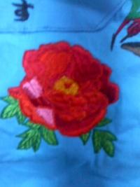 今週の一押し、刺しゅう屋、岡本洋品店、新作オリジナル刺しゅう『牡丹(ぼたん)の花』。