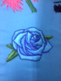 刺しゅう屋、岡本洋品店、新作オリジナル刺しゅう『青い薔薇(バラ)』。