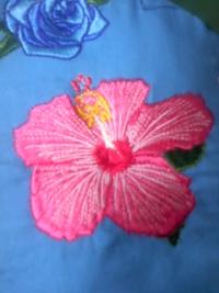 刺しゅう屋、岡本洋品店、新作オリジナル刺しゅう、『ピンク色のハイビスカス』。