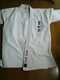 空手の道着に、フルネーム刺繍を、即日お入れいたします。
