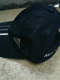 当店お買い上げの帽子に、ネーム刺繍をいたしました。