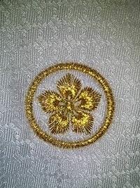 ネクタイに家紋の刺繍をご注文の、お客様へ。