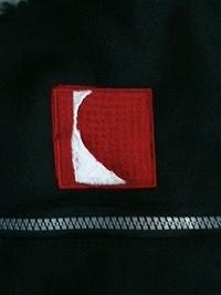 防寒ジャンパー2着に、会社のマーク刺繍をご注文のお客様へ。