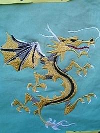 チャイナ服に龍の刺繍をご希望のお客様へ。