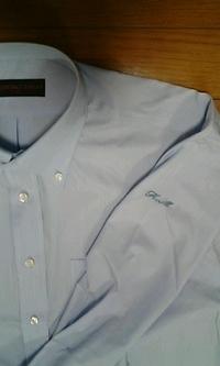 ワイシャツ15着に、イニシャル刺繍をご注文のお客様へ。