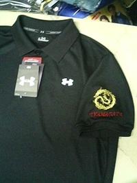持込みのポロシャツに当店オリジナルデザイン「龍の影」の刺繍