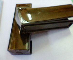 ハーモニカのケース(樹脂金型によって生まれたプラスチック製品)